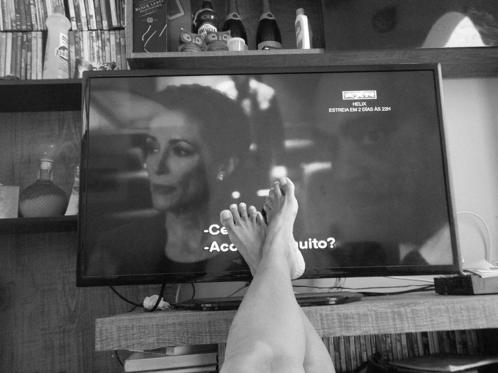 regarder television apres 14 heures